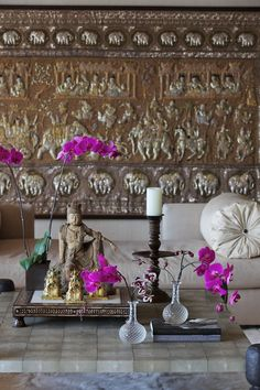 Beautiful simplicity - I think this might be from Cher's house decorated by Martyn Lawrence Bullard?? Someone please correct me if I'm wrong.