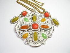 Mod 1960s Vintage Jewelry Pendant Necklace by jewelrybyNaLa, $39.50