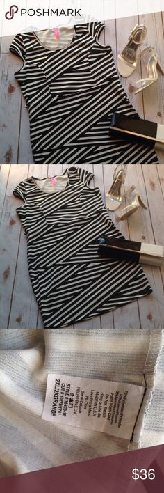 Dress Never worn 2x fits 16/18 belt is missing Boutique Dresses Mini