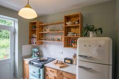 Reclaimed pine offshot kitchen - Sheffield Sustainable Kitchens