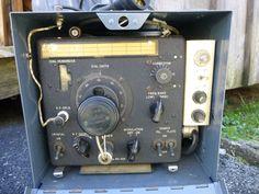 WWII Navy Dept. Bureau of Ships Bendix LM-13 Frequency Meter w/ CRR-10111 Case