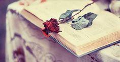 Cosa può nascere da alcune sedute di psicoterapia?  Queste poesie sono la dimostrazione che l'espressione del proprio inconscio può curare...  http://www.ilgiardinodeilibri.it/speciali/poiesis-anteprima-libro-poli.php?pn=6018