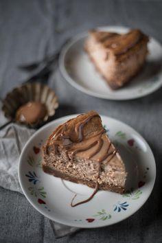 Dieser traumhafteCheesecake mit Nougat ist so verdammt gut, dass Ihr Euch am liebsten reinlegen würdet, versprochen!