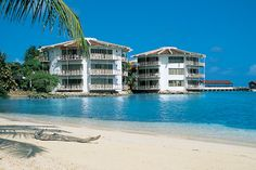All inclusive oceanfront hotel focusing on water sports on San Andres Island. Royal Decameron Aquarium is in a prime location on Punta Hansa offering 297 rooms. San Andreas, All Inclusive, Beach Hotels, Vacation Destinations, Snorkeling, Hotel Offers, South America, Decameron Aquarium, To Go