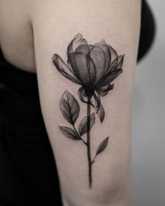 Made by Joice Wang Tattoo Artists in New York, US Region and gray tattoos Black And Gray Flower Tattoo - InkStyleMag Sunflower Tattoo Sleeve, Sunflower Tattoo Small, Flower Tattoo Arm, Flower Tattoo Designs, Xray Flower, Form Tattoo, Tattoo Line, Shape Tattoo, Cute Tattoos