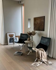 Beautiful earthy tones in the stunning home of with the Androgyne sidetable and our Ochre print - made exclusive for us by Home Interior Design, Interior Architecture, Interior Decorating, Interior Livingroom, Design Interiors, Diy Home Decor Rustic, Cheap Home Decor, Minimalism Living, Living Spaces