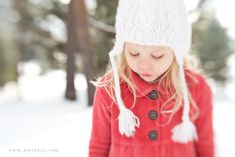 How to creatively take portraits in the snow by Amy Lucy Lockheart