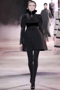 ULYANA SERGEENKO (ウリヤナ・セルギエンコ) 2013-14秋冬オートクチュールコレクション ランウェイ33枚目