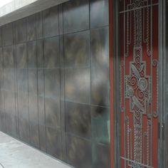 Modern Garage Doors, Door Design, Gates, Tile Floor, Architecture Design, Axolotl, Spreads, Metal, Breathe