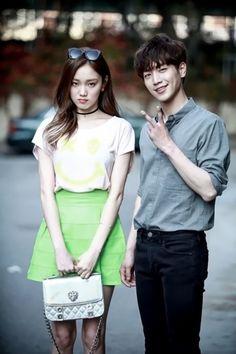 """""""Cheese In The Trap"""": Park Hae Jin lại thắm thiết bên người yêu - Ảnh 41."""