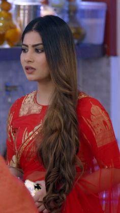 Beautiful Bride, Beautiful Women, Yeh Hai Mohabbatein, Human Body Anatomy, India Beauty, Indian Sarees, Indian Actresses, Krishna, Beauty Women