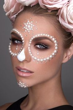 Best Makeup Ideas to Look Perfect this Halloween picture 4 - https://www.luxury.guugles.com/best-makeup-ideas-to-look-perfect-this-halloween-picture-4/