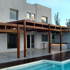 #Casa #arquitecto César Cozzolino  #house #home #haus #pool #coolhome #modernarchitecture #architecture #fachada #facade #arquitectura #galeria #gallery