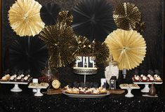 1920's dessert backdrop - isn't this fantastic? Adorable party - you'll love the details! 3d-memoirs.com
