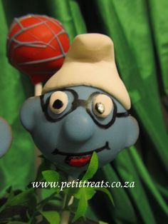 Character Cake Pops - Brainy Smurf