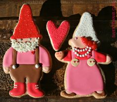 Gnome Valentine - wish I could frost cookies like this