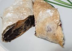 Mákos almás rétes   boros.k.petra receptje - Cookpad receptek Spanakopita, Petra, Cookie Recipes, Ethnic Recipes, Poppy, Food, Kuchen, Recipes For Biscuits, Biscuits