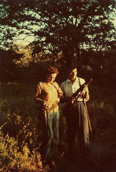 Biografía – Remedios Varo Remedios Varo Sisters, Couple Photos, Couples, Painting, Biography, Surrealism, Writers, Remedies, Artists