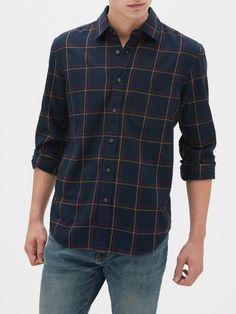 Stylish Mens Outfits, Casual Outfits, Men Casual, Fashion Outfits, Ivy League Style, Mens Clothing Styles, Flannel Shirt, Mens Fashion, Men's Chinos