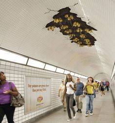 Ambient Marketing in the subway by Lay's, genius! [read more]