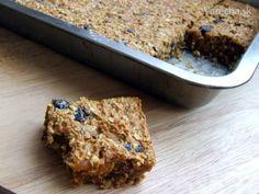 Zdravý mrkvový koláč so sušeným ovocím - vegan (fotorecept) - Recept Vegan Treats, Banana Bread, Food And Drink, Veggies, Desserts, Fitness, Vegetables, Deserts, Dessert