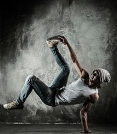 Searching for Best Street Dance in Discovery Bay then contact at Keystone Dance Co. They mandate to facilitate a positive, safe, judgement-free environment. Cool Dance, Dance Art, Just Dance, Dance Music, Dancer Photography, Men Photography, Street Dance Moves, Online Dance Lessons, Hip Hop Dance