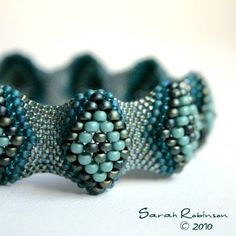 Blue diamond bracelet | Beadwork