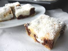 Kokosové pokušení Lasagna, French Toast, Baking, Eat, Breakfast, Ethnic Recipes, Food, Cakes, Morning Coffee