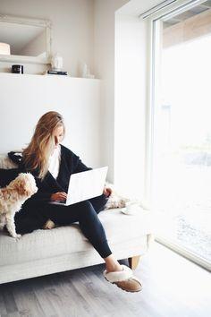 **Comfy, slippers, coffee, dog and pinterest ** Eirín Kristiansen –
