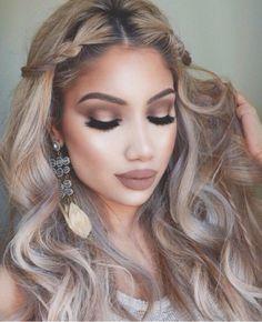 How heavenly is Alina Gea in the range? We would like Wie himmlisch ist Alina Gea in der Wir möchten dass unser Make-up … How heavenly is Alina Gea in the range? We want our makeup - Cute Makeup, Gorgeous Makeup, Pretty Makeup, Beauty Makeup, Hair Makeup, Hair Beauty, Simple Makeup, Makeup Bags, Makeup Geek