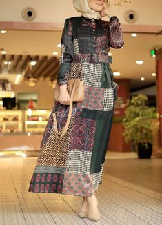 Kırkyama Elbise - Bej Hijab Style Dress, Modest Fashion Hijab, Modern Hijab Fashion, Muslim Women Fashion, Hijab Fashion Inspiration, Islamic Fashion, Abaya Fashion, Fashion Dresses, Mode Abaya