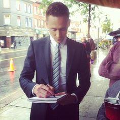 @Loki_Page: RT: danakinsley: day 2. Up all night to get Loki with Tom Hiddleston.  http://31.media.tumblr.com/d7625929b50d7b0c4257d886dc47a8cd/tumblr_msry5kSp631s85txzo2_500.jpg … | pic.twitter.com/mvumwymCqS