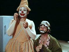 Sol et Gobelet est une émission télévisée pour enfants québécoise diffusée de 1968 à 1971 sur Radio-Canada. Deux clowns, Sol et Gobelet, habitent un appartement bizarre où il leur arrive des histoires abracadabrantes.