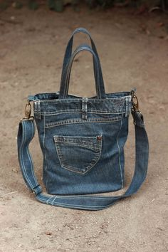 Recycled denim bag Code Denim 04 adjustable by GAMMAstudio- Recycelten Jeans bag Code Denim 04 verstellbarer von GAMMAstudio Recycled denim bag code denim 04 adjustable by … - Sacs Tote Bags, Big Tote Bags, Denim Tote Bags, Denim Purse, Diy Jeans, Levis Jeans, Blue Jean Purses, Denim Crafts, Casual Bags