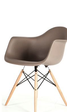 The Mid-Century Eiffel Arm Chair is made of high stregth polypropylene with a wooden dowel base, skidproof foot included to ensure safety. Urban Industrial, Industrial House, Eiffel Chair, Grey Chair, Home Decor Inspiration, Accent Chairs, Armchair, Art Deco, Mid Century
