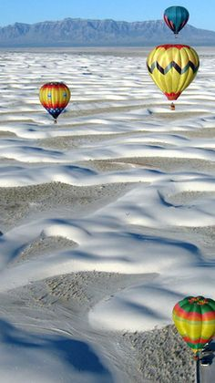 White Sands, NM. The White Sands balloon invitational at White Sands National Monument