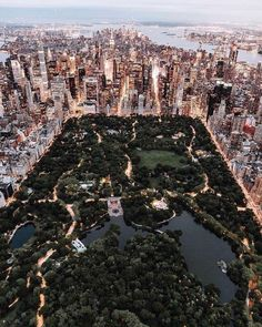 Style beaches Central Park from above - New York City photo by Trent Szmolnik ( on. Central Park from above - New York City photo by Trent Szmolnik ( on Unsplash New York Trip, New York Life, Nyc Life, New York Travel, City Life, Travel Usa, Overseas Travel, London Travel, Travel Plane