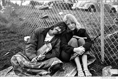 refresh ask&faq archive theme Welcome to fy hippies! This site is obviously about hippies. There are occasions where we post things era such as the artists of the and the most famous concert in hippie history- Woodstock! 1969 Woodstock, Festival Woodstock, Woodstock Photos, Woodstock Hippies, Woodstock Music, Hippie Movement, Hippie Culture, Pop Culture, Hippie Love