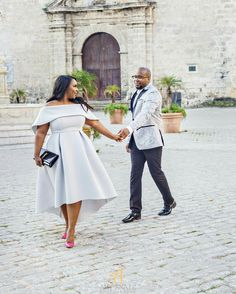 TRUST is huge when selecting your photographer. It's more then just a monetary investment is trusting that they will execute the vision on a day that cannot be repeated. THANK YOU + for trusting me with this crazy vision! Look Plus Size, Plus Size Girls, Plus Size Dresses, Plus Size Outfits, Xl Mode, Wedding Attire, Wedding Dresses, Couple Outfits, Curvy Girl Fashion