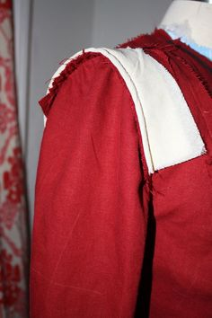 Gertie's New Blog for Better Sewing: Sleeve Heads: a way to structure the shoulder of a jacket or blazer without a shoulder pad