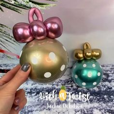Who thought that we could create Christmas Tree Ornaments from Balloons? This is AMAZING! Birthday Balloon Decorations, Balloon Crafts, Balloon Gift, Diy Wedding Decorations, Birthday Balloons, Balloon Tree, Christmas Balloons, Christmas Tree Ornaments, Diy Ornaments