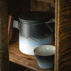 The Atlas Teapot Set
