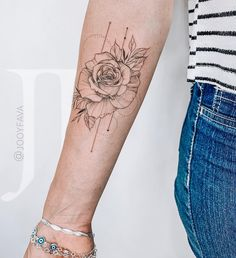 Exceptional tattoos for girls are offered on our internet site. - Exceptional tattoos for girls are offered on our internet site. Arm Tattoos Forearm, Forarm Tattoos, Girl Arm Tattoos, Bicep Tattoo, Rose Tattoos, Henna Tattoos, Mommy Tattoos, Tattoos For Women Half Sleeve, Tattoo Women