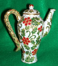 Victorian Christmas Teapot