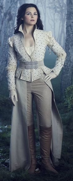 Snow White in OUAT. This has to be my most favorite outfit of her's and her makeup and her hair...Ugh, she is so perfect, I can't even.