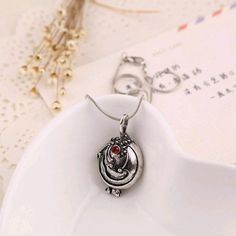 """The Vampire Diaries"" Elena Gilbert Vintage Necklace"
