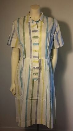 Vintage 1950s Retro Women's Cotton Day Dress Floral Blue Yellow Green Pin Up…