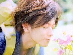 Takechan smells the flowers