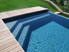 L'escalier sur mesure par l'esprit piscine - Escalier d'angle sur mesure triangulaire avec banquette sur la largeur