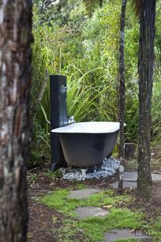 Outdoor bath on the deck - maybe have a double bath? - Outdoor bath on the deck – maybe have a double bath? Outdoor bath on the deck – maybe have a double bath? Outdoor Bathtub, Outdoor Bathrooms, Indoor Outdoor, Outdoor Bars, Outdoor Kitchens, Saunas, Outside Showers, Outdoor Showers, Outdoor Spaces